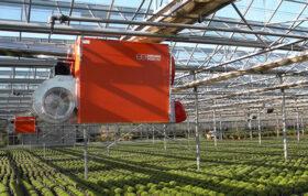 نیاز دمای گلخانه بستگی به این دارد که چه نوع گیاه درون آن کشت داده شده است. همچنین ممکن است رطوبت نسبی نیاز به کنترل داشته باشد، این امر نیز به گیاهان کشت شده بستگی دارد. گرمایش و تهویه مناسب گلخانه از مواردیست که از اهمیت بالایی برخوردار است.